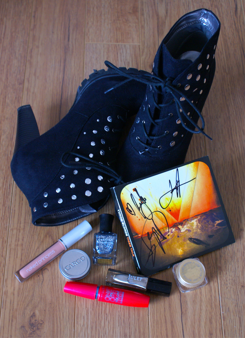 Boots, beauty, and an autographed CD
