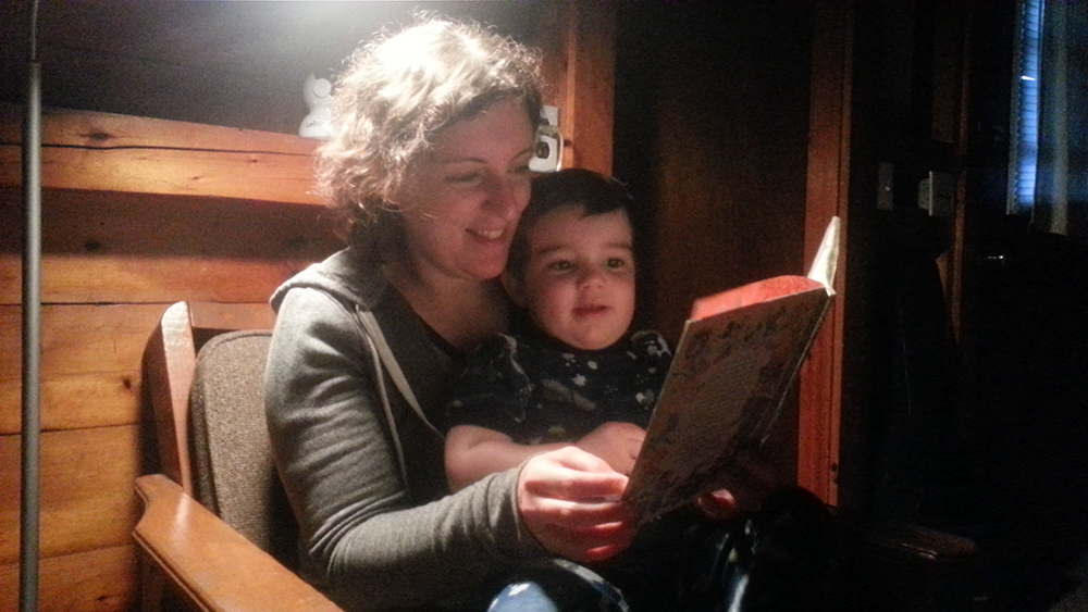 Bedtime stories, cabin-style